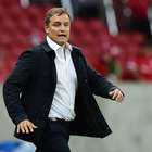 Aguirre fecha treino e mantém mistério no Internacional