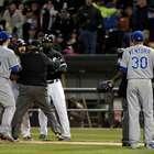 Pitcher agrede verbalmente a rival en pleno juego de MLB