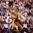 Joselito Adame sale a hombros en su encerrona