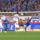 ¡Colombiano hace un increíble gol de tijereta en China!