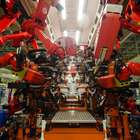 Com 700 robôs, Jeep apresenta fábrica do Renegade em PE
