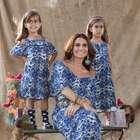 Giovanna Antonelli estrela campanha com as filhas gêmeas