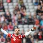 Neuer, el portero que saca de banda y regatea a los rivales