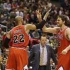 Bulls aplastan y eliminan a Bucks; van contra Cavs