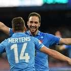 'Pipita' falla penal y luego encamina al Nápoles sobre Milan