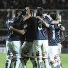 San Lorenzo venció a Vélez y se afirma en la pelea