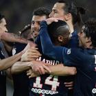El PSG gana con y mantiene la distancia con el Lyon