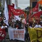 Ato reúne 15 mil professores em Curitiba, segundo sindicato