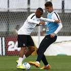 Reforços chegam e treinam no Santos; time pode ter novidades