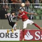 Homem de confiança de Aguirre, Ernando volta à zaga do Inter