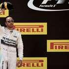 Hamilton amplía su contrato con Mercedes hasta 2018