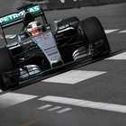 Hamilton impone su velocidad en primeros entrenos de Mónaco