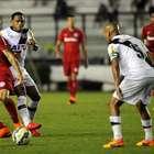 Haja empate! Vasco sai atrás do Inter, mas iguala 5ª seguida