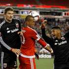Revolution get two red cards in 1-1 draw with DC United
