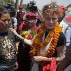 Susan Sarandon invita a los turistas a visitar Nepal