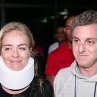 Com colar cervical, Angélica deixa hospital ao lado de Huck