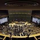 Câmara dos Deputados rejeita financiamento público ...