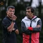 Sem sacar canetas, Osorio apenas observa treino de Milton