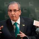 """Após manobra, Cunha vira assunto na web: """"golpista"""", """"rei"""""""