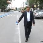 Bulgária: contra espírito ruim, prefeito joga açúcar em ruas