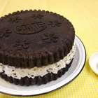 Aprenda em 7 min a fazer bolo gigante com bolacha oreo