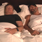 Conan O'Brien pasa la noche en la cama de Joe Manganiello