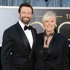 Esposa de Hugh Jackman le prohíbe actuar con Angelina Jolie