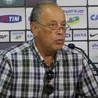Vice de futebol se diz traído e pede renúncia do Coritiba