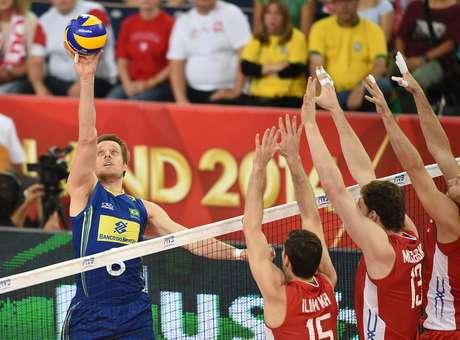 Brasileiros exaltam importância de Murilo contra Rússia