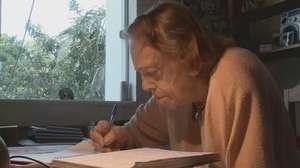 Eleitora de 104 anos tem 800 folhas de registros sobre Dilma