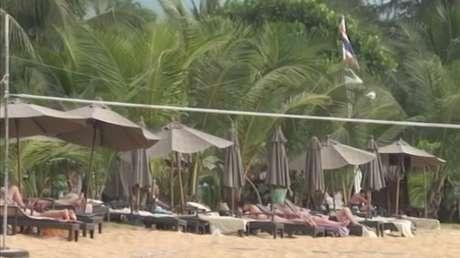 Praias na Tailândia estão lotadas 10 anos após tsunami