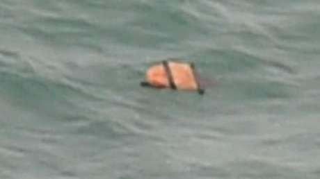Encontrados destroços do avião da AirAsia no mar de Java