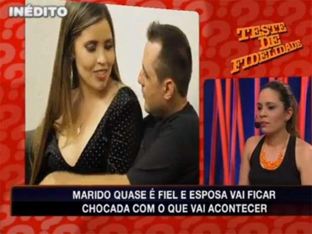 Priscila Vilela (à esquerda) em cena no Teste de Fidelidade exibido no último dia 14 de julho, na RedeTV! Foto: Reprodução