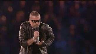 George Michael canta no encerramento dos Jogos; veja