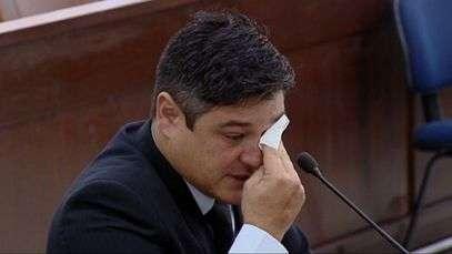Irmão chora ao falar da última vez que viu Mércia Nakashima