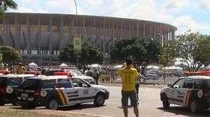 Veja relato de manifestante no estádio do jogo do Brasil