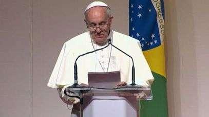 Papa se despede com até breve e diz que já sente saudades