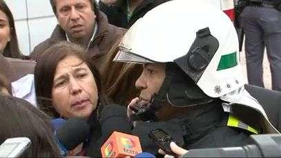Bombeiros estão em contato com vítima soterrada em desabamento