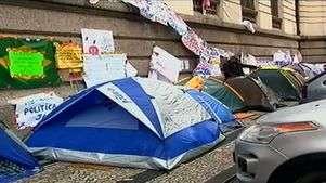 Rio: professores esto acampados do lado de fora da Cmara