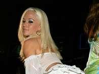 Ex-'coelhinha' fala sobre relações com dono da Playboy