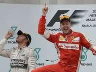 Vettel estraga 150ª prova de Hamilton e vence 1ª na Ferrari