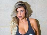 Ring girl do XFC posa com decotão e relata paixão por MMA