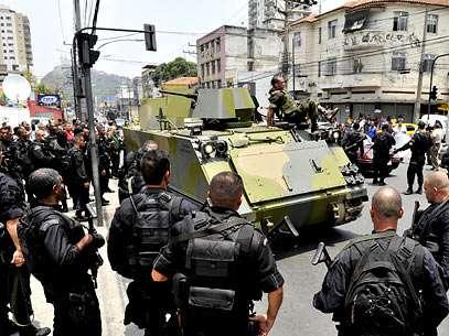Exército e Bope se unem em invasão. Foto: Reinaldo Marques/Terra
