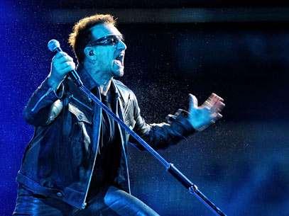 Bono comanda apresentação do U2 no Estádio Morumbi, em São Paulo. Foto: Fernando Borges/Terra