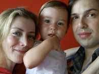 A estilista Daniela Connolly, o filho e o marido foram vítimas da tragédia das chuvas na Região Serrana. Foto: Reprodução