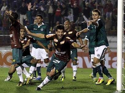 Rogério comemora gol. Foto: Gazeta Press