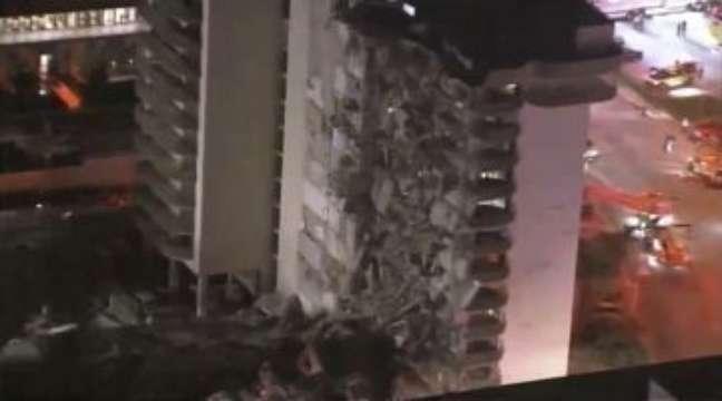 Miami Beach tem megaoperação após parte de prédio residencial desabar