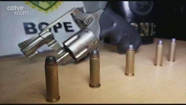 Homem é detido com arma de fogo no Bairro Cascavel Velho em Cascavel