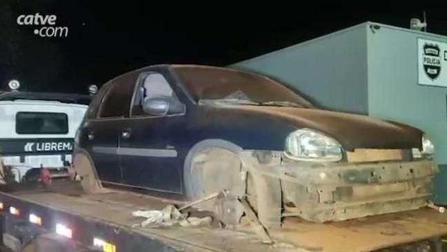 Carro furtado em estacionamento de mercado é recuperado pela PM