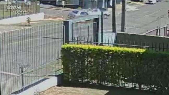 Câmera registra forte batida que deixou homem ferido na Vila Tolentino